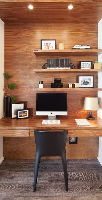computer-desk_phone.jpg