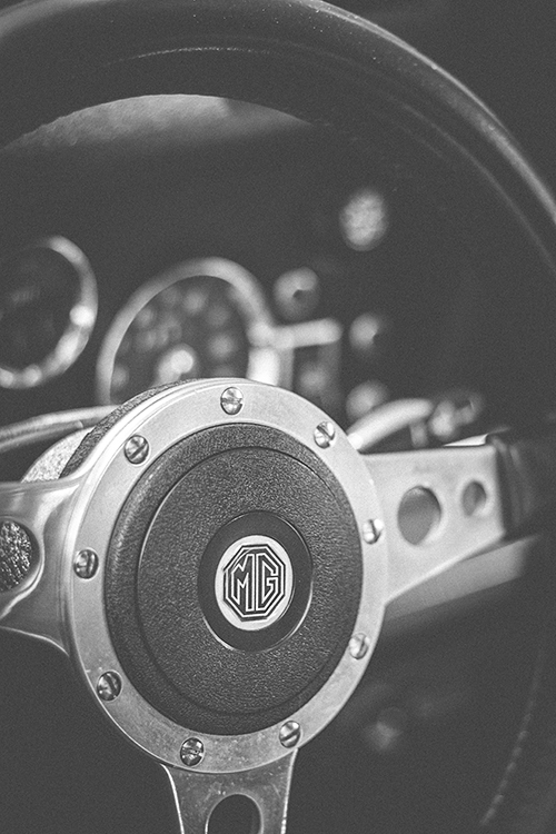 -Beautifully hand crafted MG steering wheel