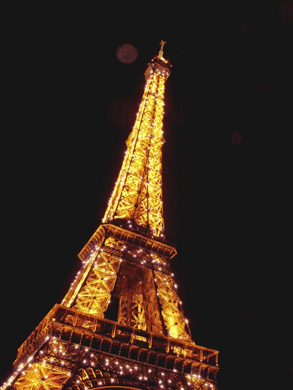 The Eifel Tower light show