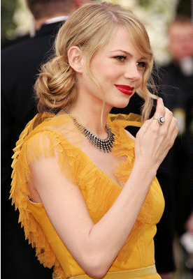Michelle Williams in Vera Wang, 2006 Academy Awards.