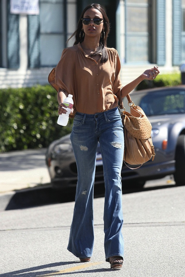 Zoe+Saldana+-+leaving+her+office+in+Beverly+Hills+May+10-2011+8.jpg