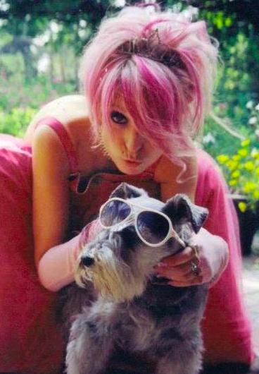 julia-mcewen-prom-puppy.png