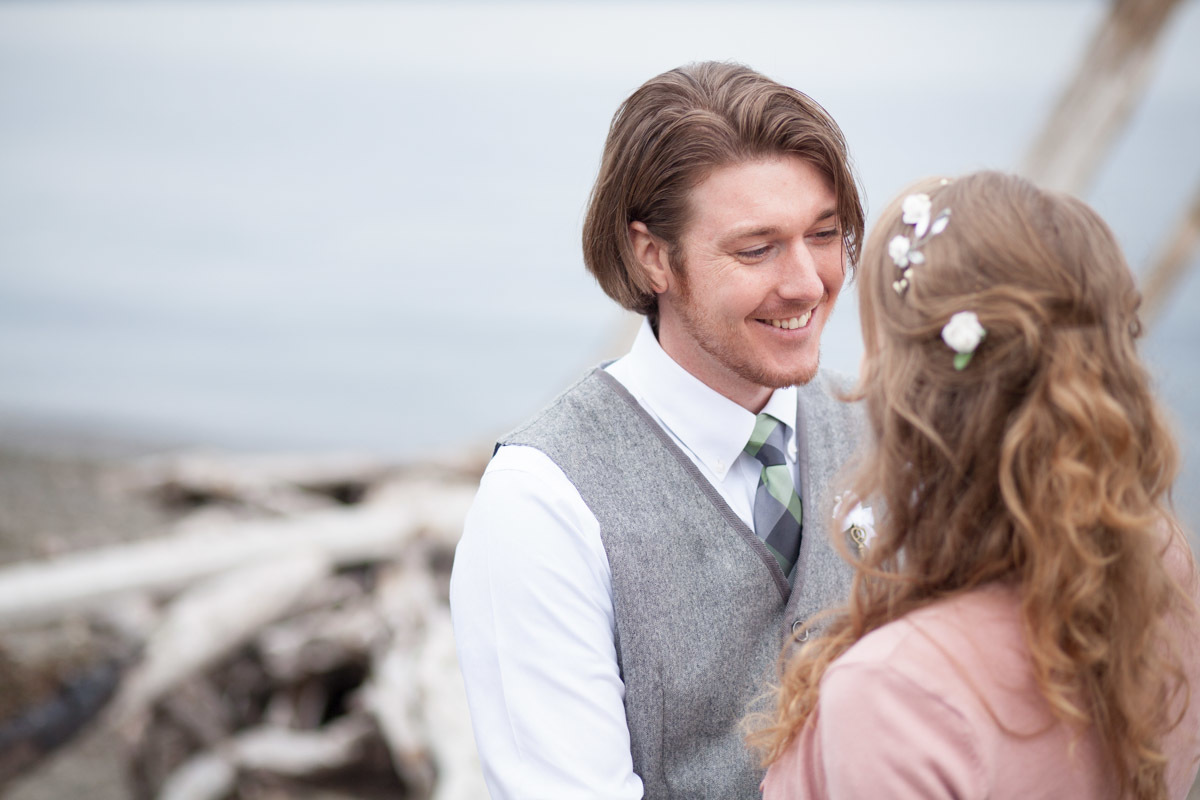 Seattle-Wedding-Photographer_AshleyandJames_04.jpg