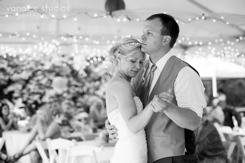 Bainbridge-Island-Wedding-Photographers_LukeLia_044.jpg