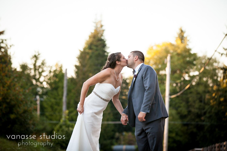 Poulsbo-Wedding-Photographer_ErinandClay_016.jpg