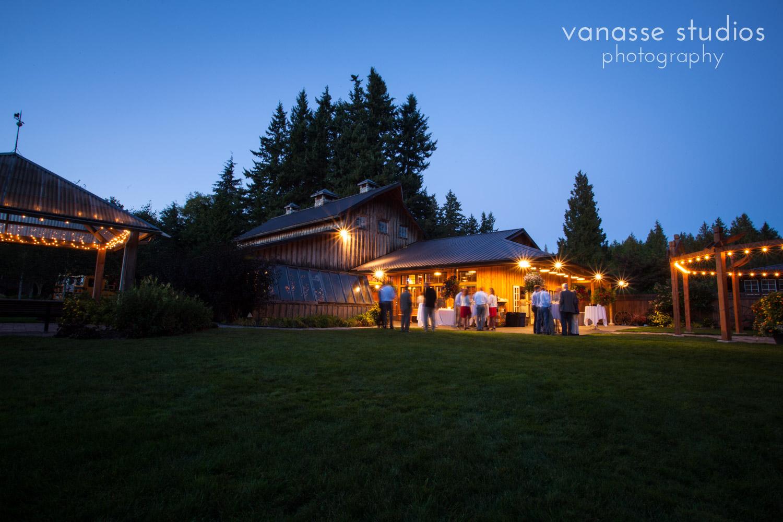 Poulsbo-Wedding-Photographer_ErinandClay_017.jpg