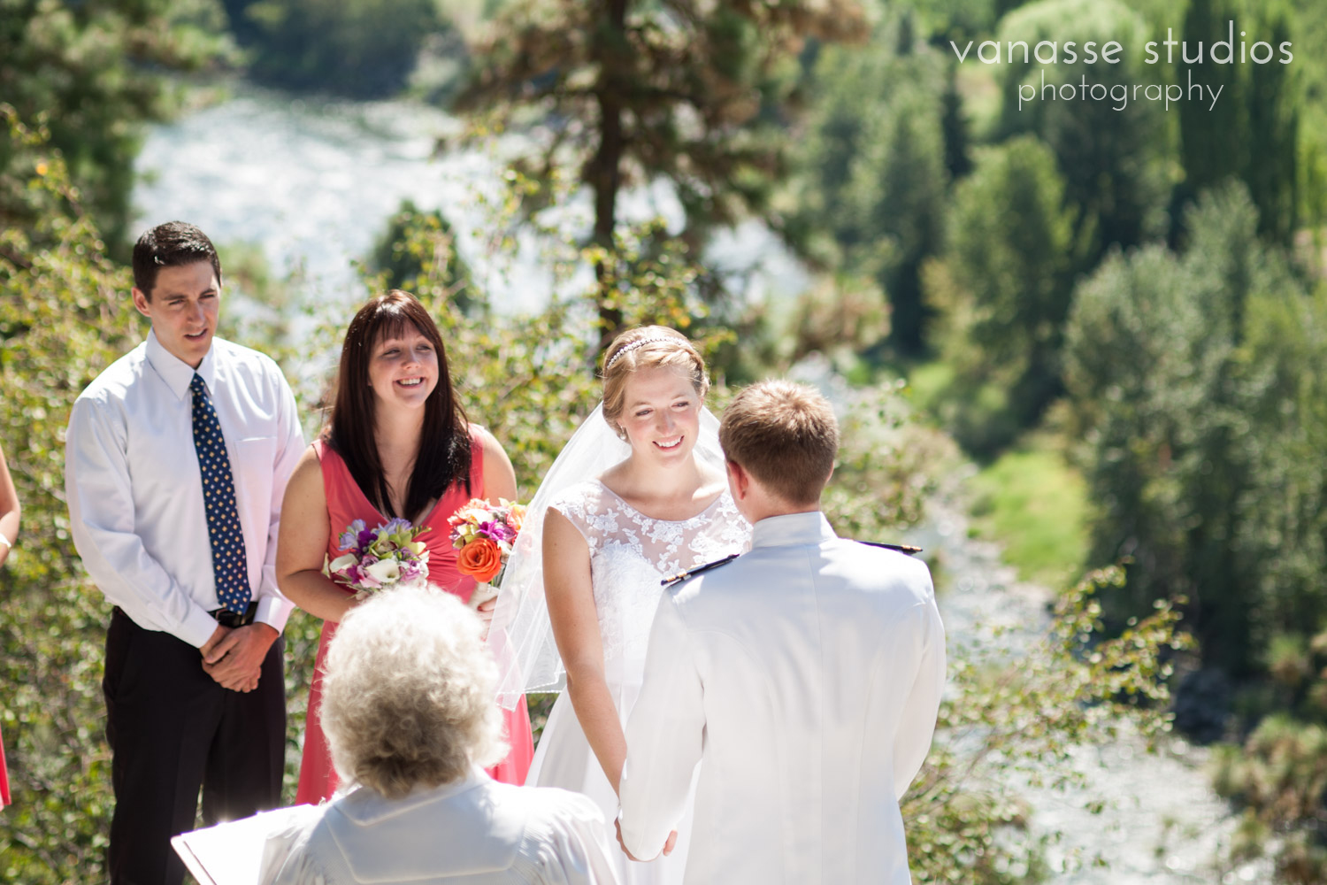 Leavenworth-Wedding-Photographers_AndreaMike_050.jpg