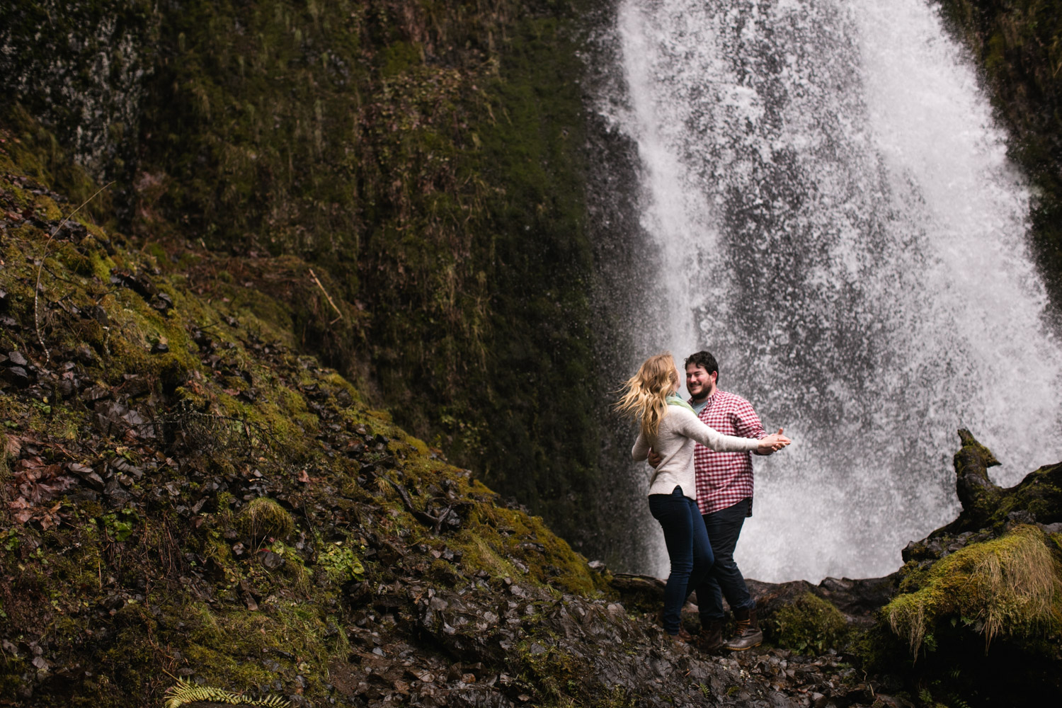 Portland-Adventure-Wedding-Engagement-Elopement_001.jpg