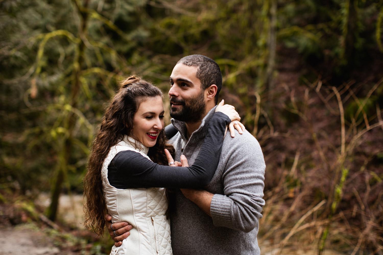 Portland-Adventure-Engagement-Photographers_Forest-Park_SM_004.jpg