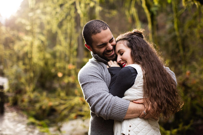 Portland-Adventure-Engagement-Photographers_Forest-Park_SM_007.jpg