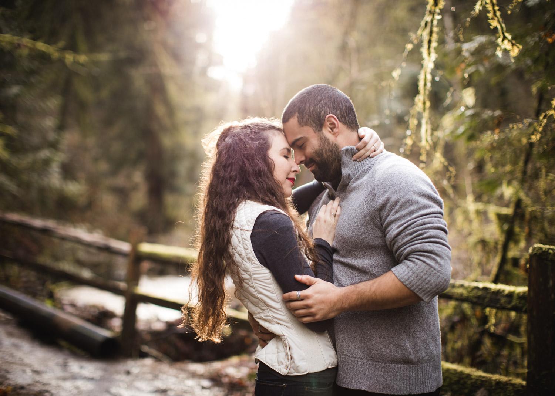 Portland-Adventure-Engagement-Photographers_Forest-Park_SM_009.jpg