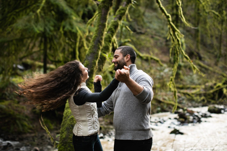 Portland-Adventure-Engagement-Photographers_Forest-Park_SM_011.jpg