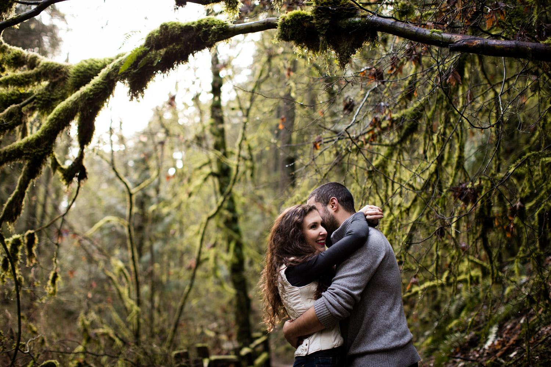 Portland-Adventure-Engagement-Photographers_Forest-Park_SM_014.jpg