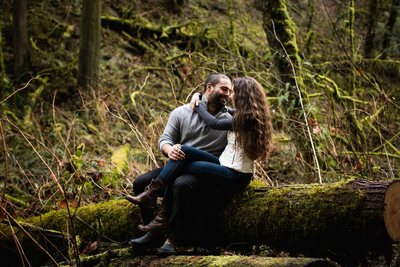 Portland-Adventure-Engagement-Photographers_Forest-Park_SM_015.jpg