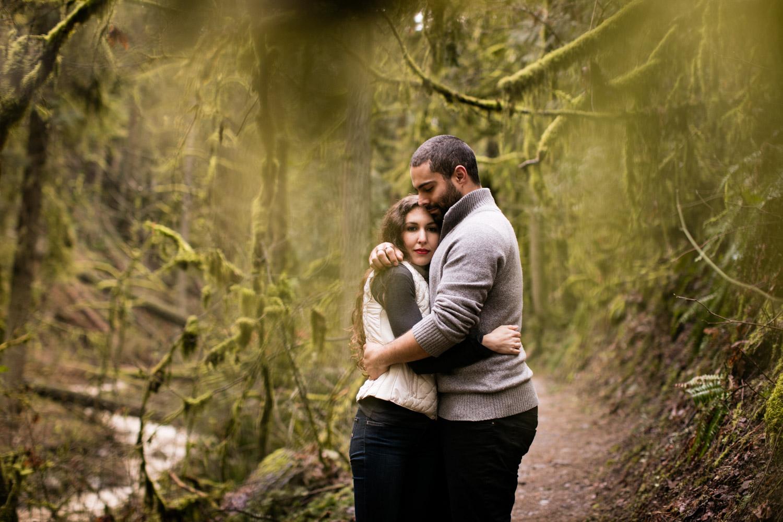 Portland-Adventure-Engagement-Photographers_Forest-Park_SM_019.jpg
