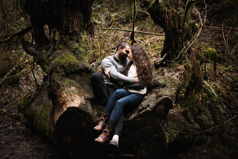 Portland-Adventure-Engagement-Photographers_Forest-Park_SM_020.jpg