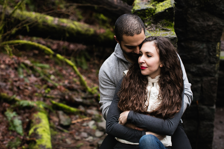 Portland-Adventure-Engagement-Photographers_Forest-Park_SM_022.jpg