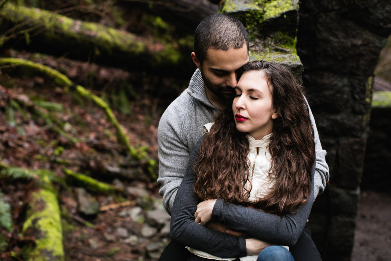 Portland-Adventure-Engagement-Photographers_Forest-Park_SM_023.jpg