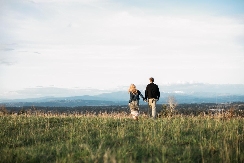 SJ_Portland-Engagement-Photographers-Powell-Butte-Nature-Preserve_015.jpg