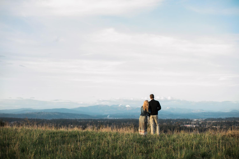 SJ_Portland-Engagement-Photographers-Powell-Butte-Nature-Preserve_016.jpg