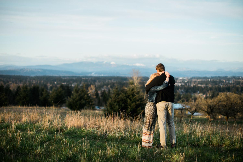 SJ_Portland-Engagement-Photographers-Powell-Butte-Nature-Preserve_017.jpg