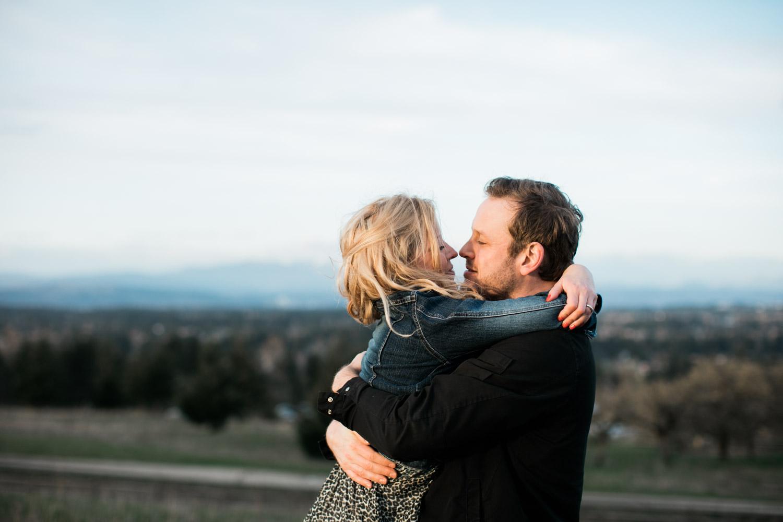 SJ_Portland-Engagement-Photographers-Powell-Butte-Nature-Preserve_021.jpg