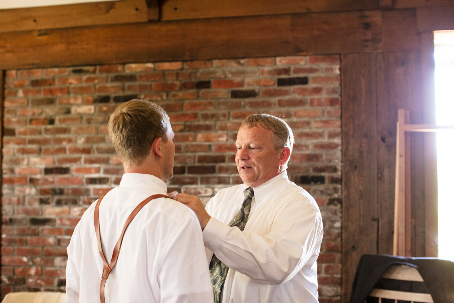 Portland-Wedding-Photographers-MadelineandTrevor_Blog_012.jpg
