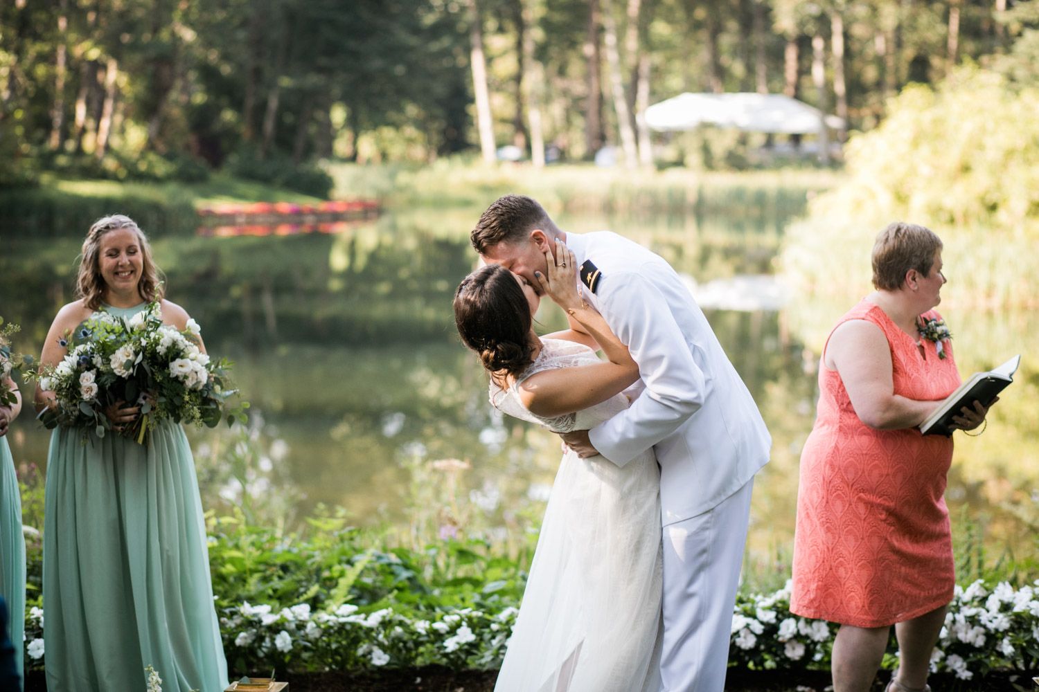 Bridal-Veil-Lake-Wedding-Portland-Photographers_TR_040.jpg