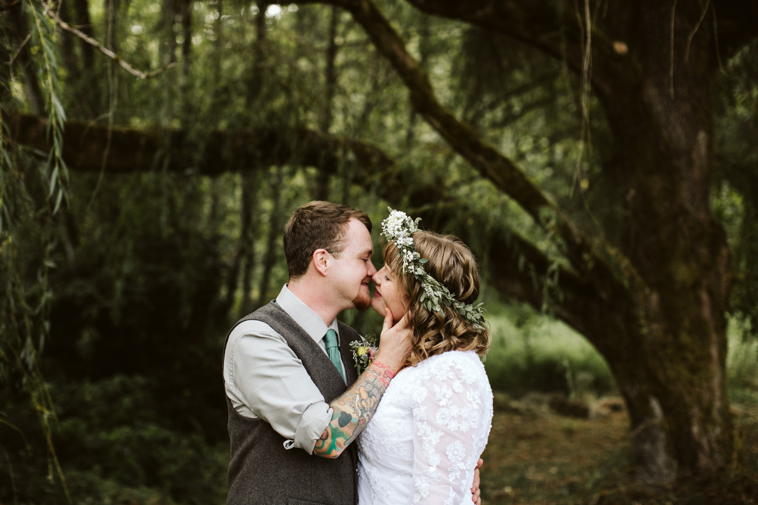 Portland-Oregon-Indie-Wedding_Photographers_010.jpg