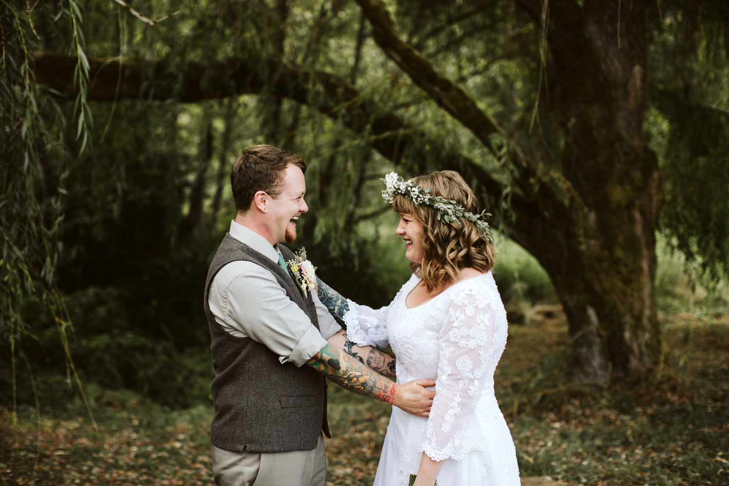 Portland-Oregon-Indie-Wedding_Photographers_011.jpg