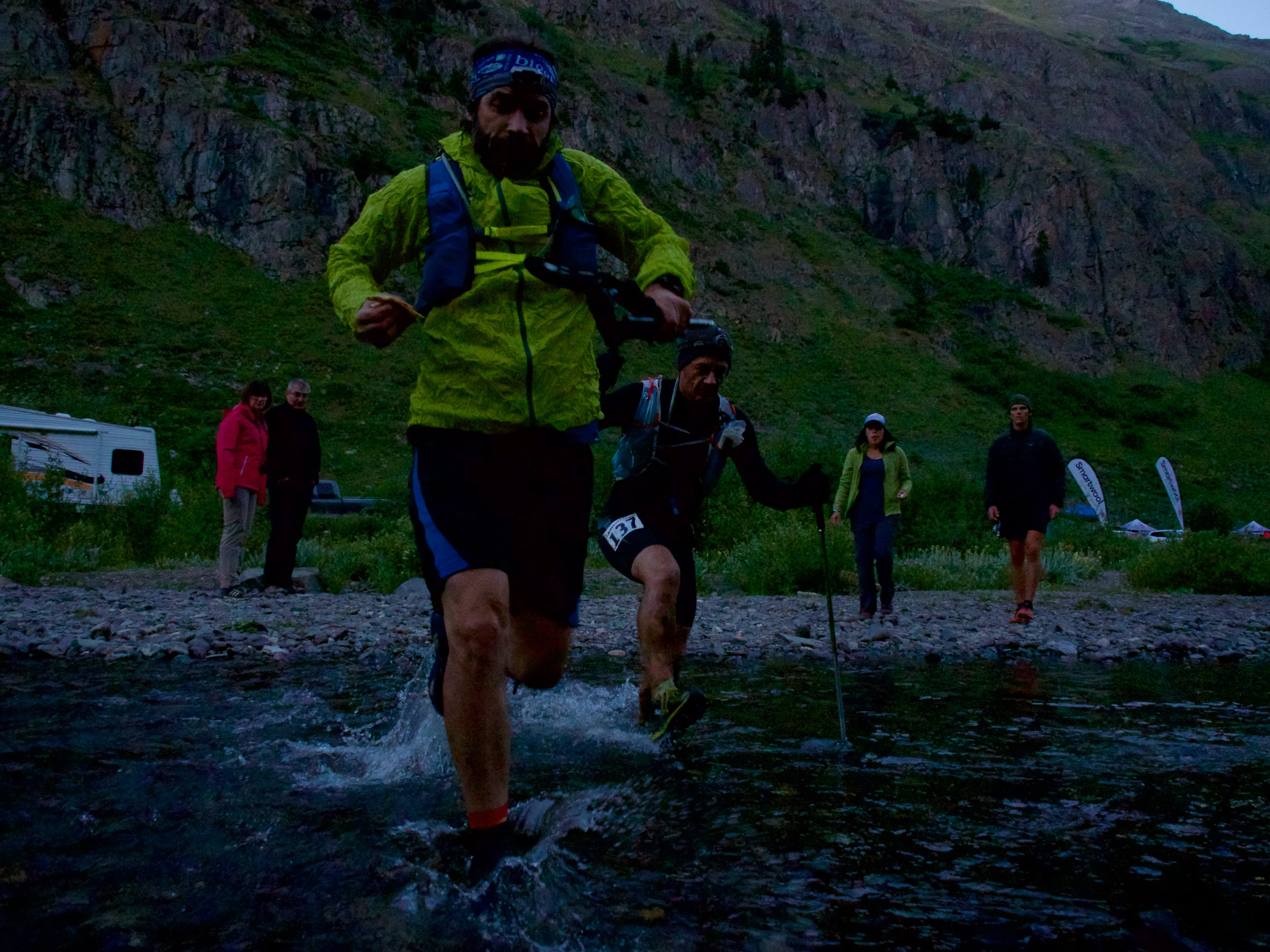 Crossing the stream at Cunningham aid station with Barry Lass