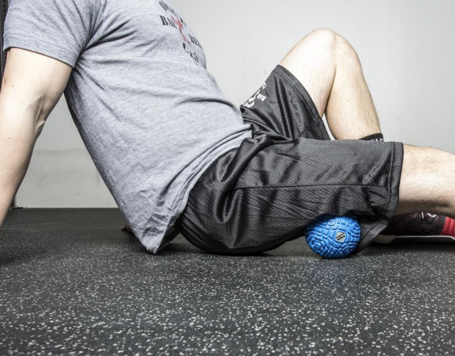 Supernova 2.0 - An alternative to traditional foam rollers and massage balls, with an improved nylon frame construction, grip-strong TPE tread, and a groove pattern that allows for a more beneficial massage and tissue therapy. Great for the hamstrings, rhomboids, chest, calves and everything else. The ball is 4.72 inches in diameter and harder then the TP MB5 and a bit heavier.