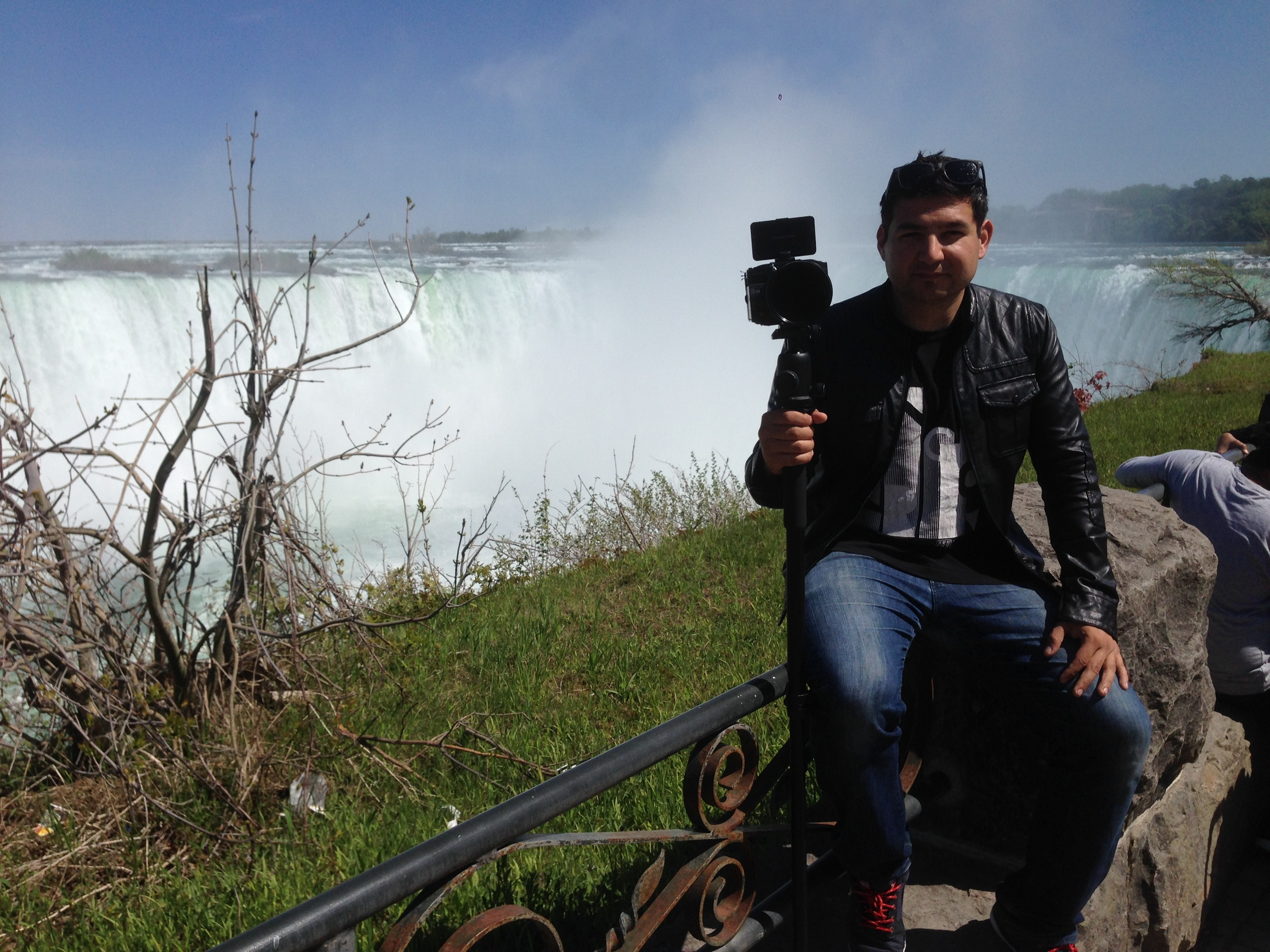 The team takes a detour at Niagra Falls just before leaving Canada.