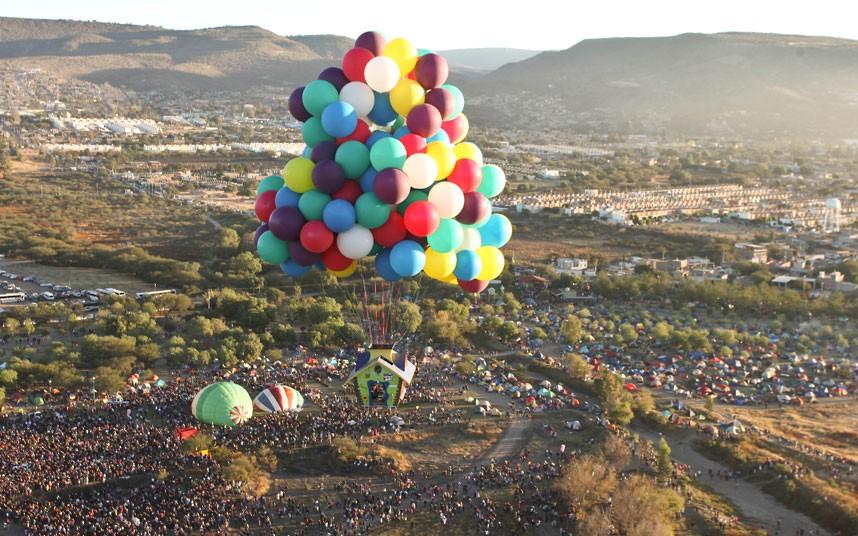 balloon-lift-off_2403012k.jpg