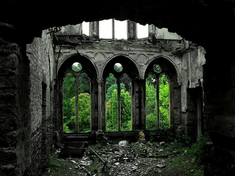 top-33-most-beautiful-abandoned-places-in-the-world-19.jpg