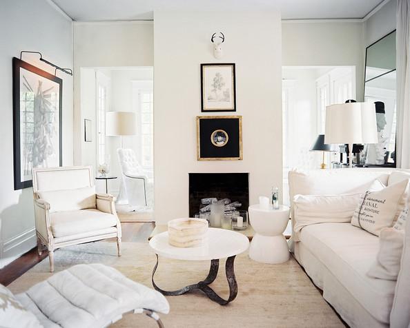 Colonial+Living+Room+Framed+art+white+upholstered+XAf7UXFUypYl.jpg
