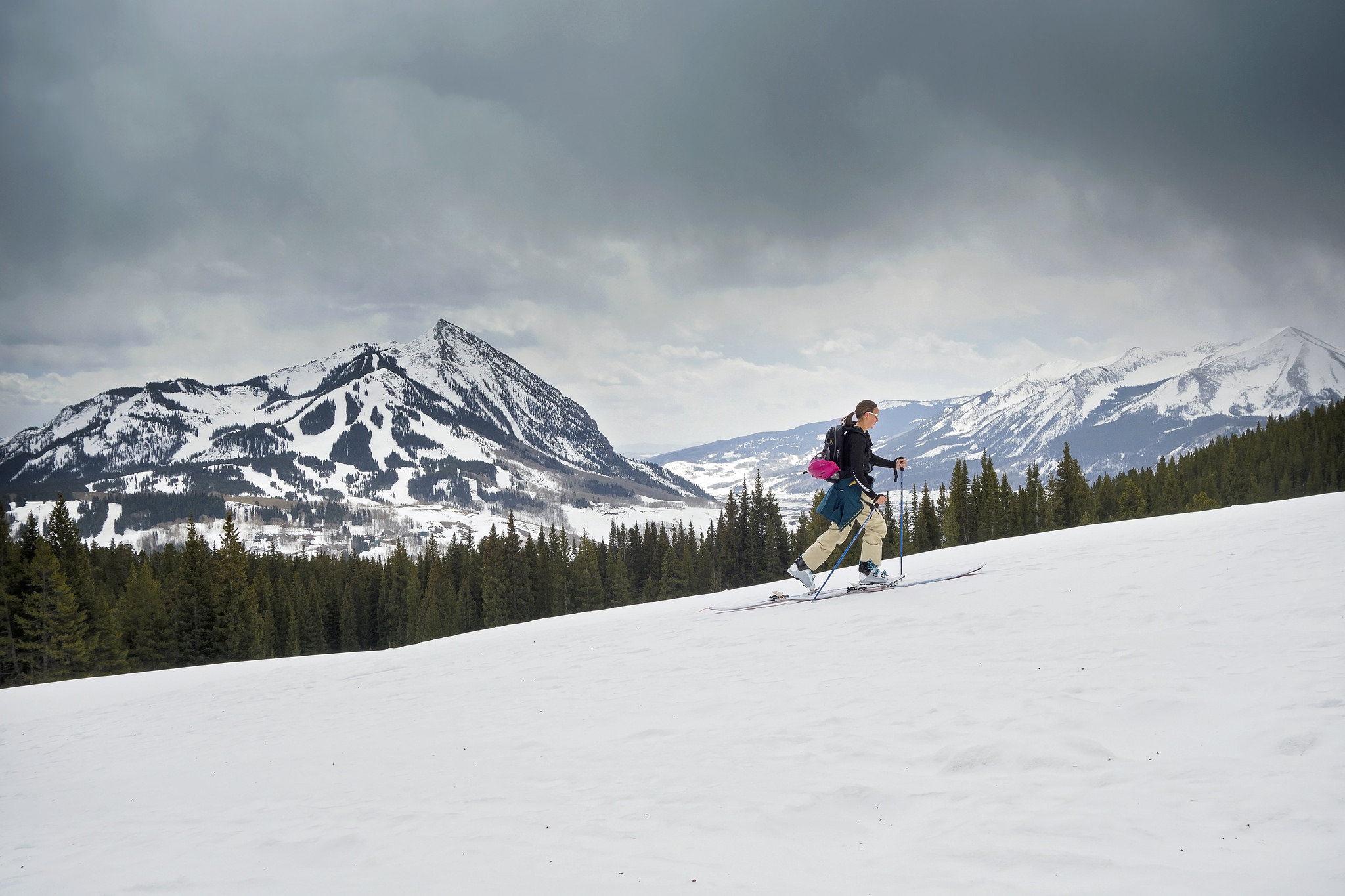 Looking toward Crested Butte in Colorado with an f stop of 9