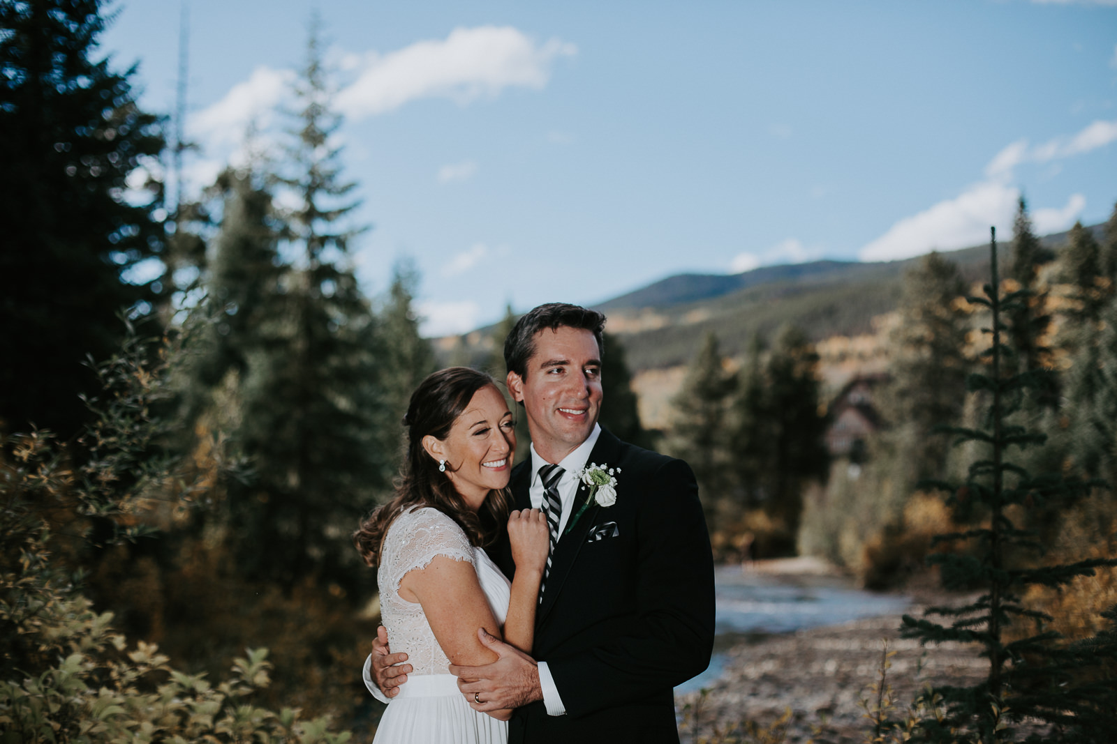 Quaking Aspen Amphitheater wedding pnotogtaphy with fall colors in Keystone Colorado