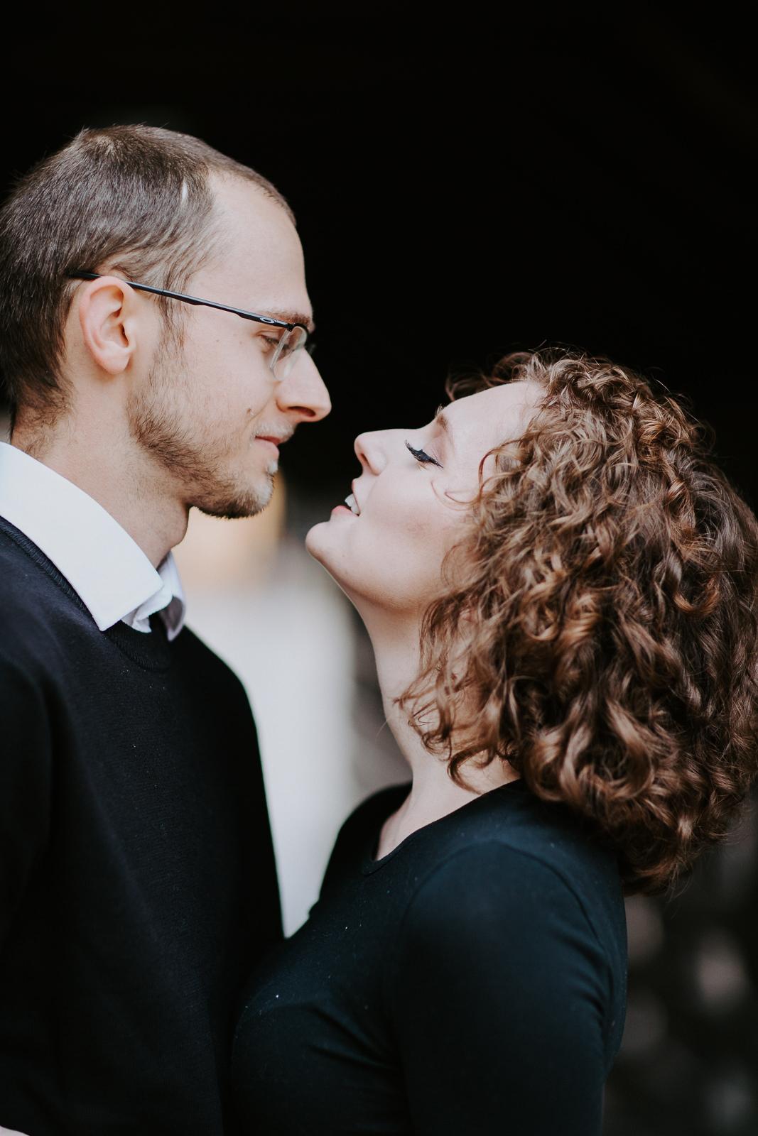 Vail Colorado bridge couple kissing
