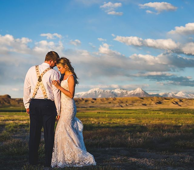 Bree and Aaron's wedding in Austin, CO had a stunning golden hour. What was unfortunate was the sheer amount of mosquitos in this very spot. These two toughed it out for as long as possible before retreating. Worth the shot, hell yes! . . . . #blackcanyon #westernslope #wedwestslope #coloradowedding #naturallight #goldenhour #realwedding #coloradoweddingohotographer #love #bridegroom #grandjunction #50mm #canon #canon5dmkiv #weddinglove #weddinginspiration