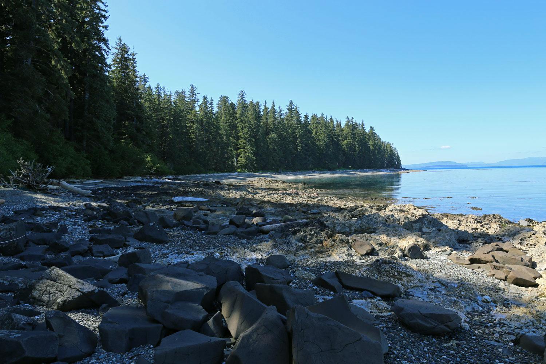 A rocky, interesting portion of Memorial Beach...