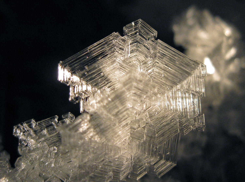 Hoarfrost crystal