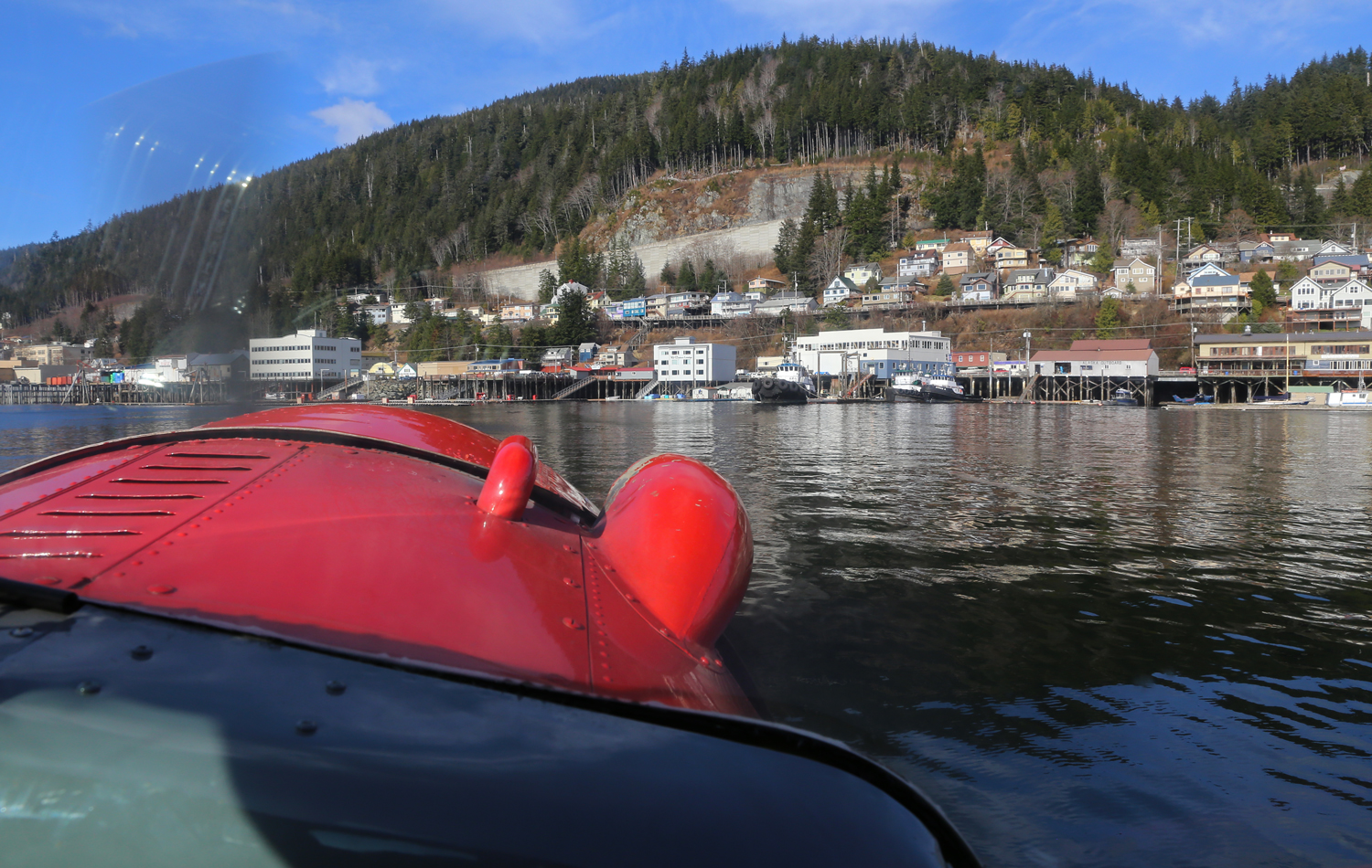 Taxiing up to the Ketchikan waterfront.