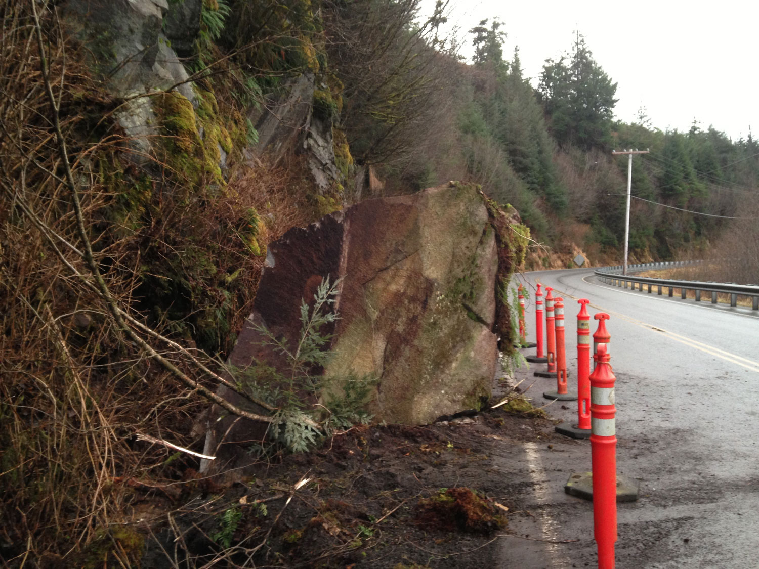 Huge rock fell onto road from cliff