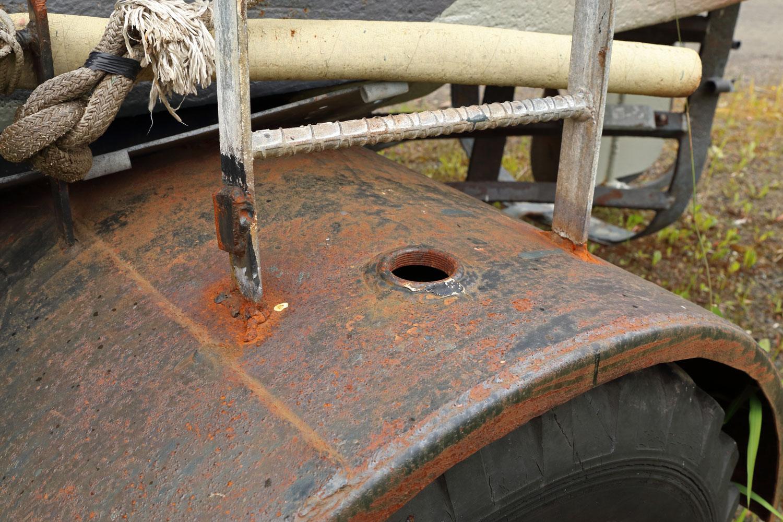 Boom Boat trailer fender 500 gallon fuel tank bung hole