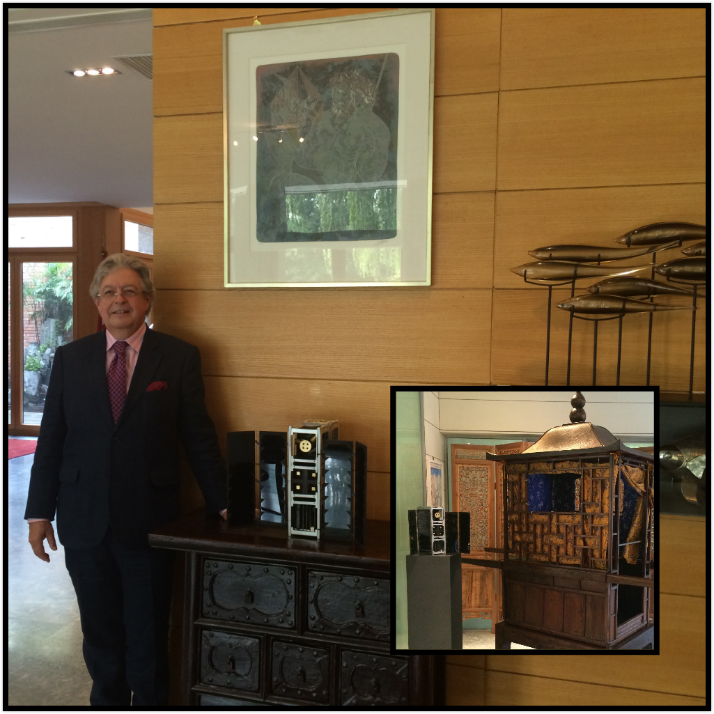 The Ambassador with the nano-satellite and a Chinese ancient palanquin!