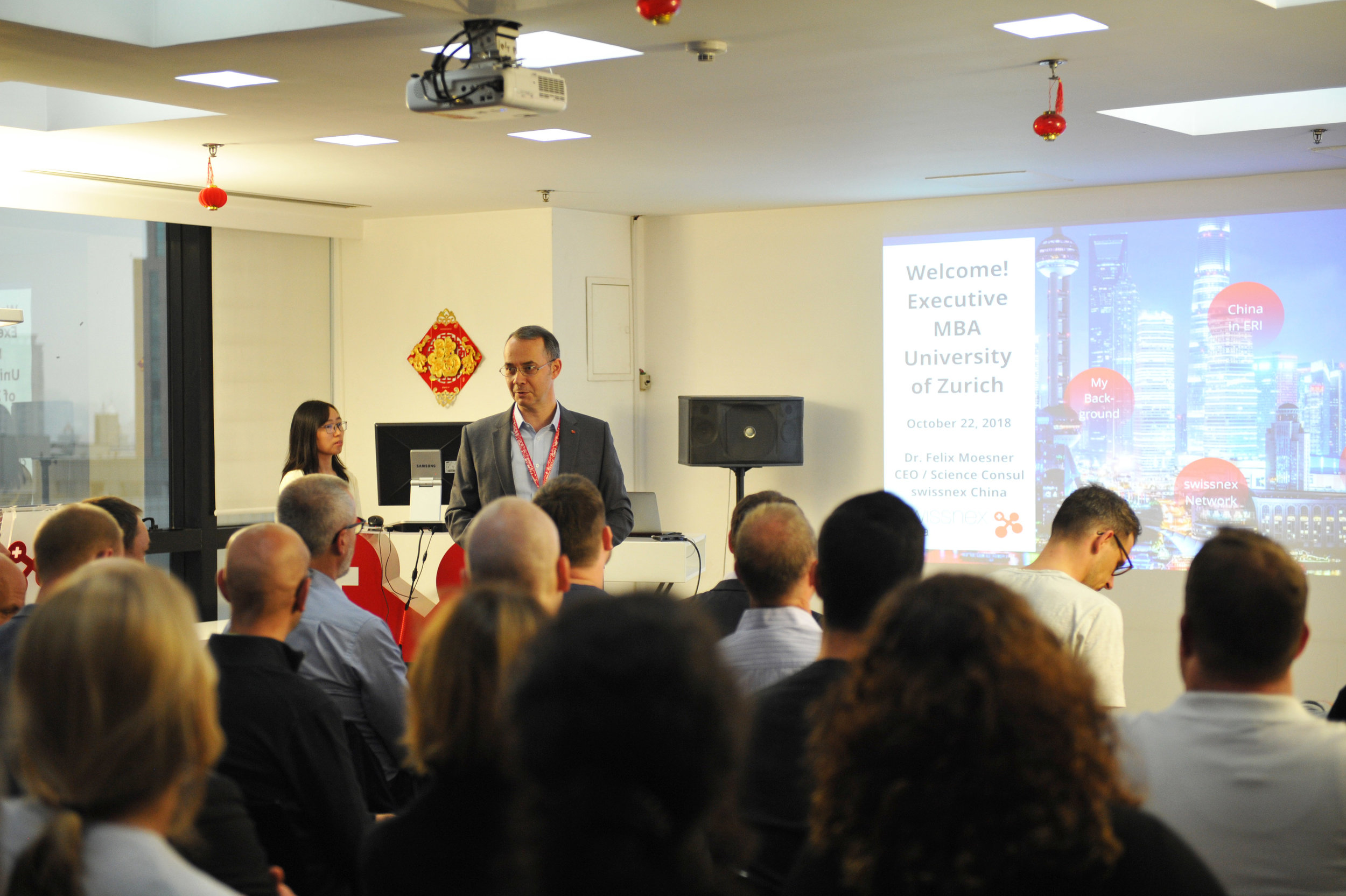Dr. Felix Moesner, Science Consul and CEO of swissnex China, presented the swissnex China mission to the delegation.