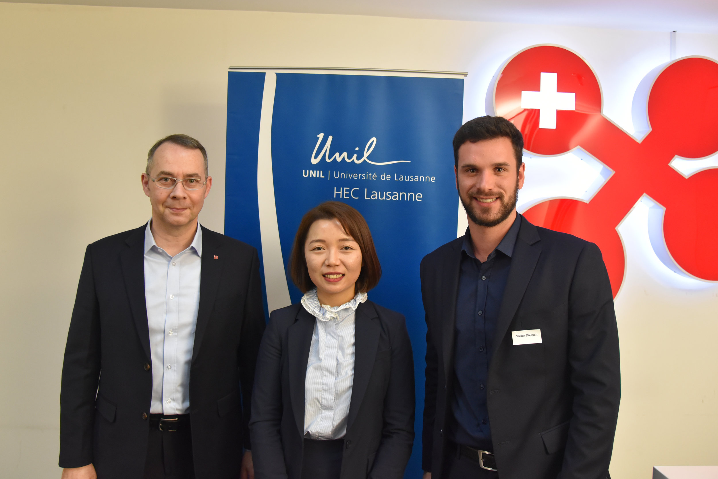 From left to right: Dr. Felix Moesner, Prof. Dr. Ying Liu and Victor Dietrich
