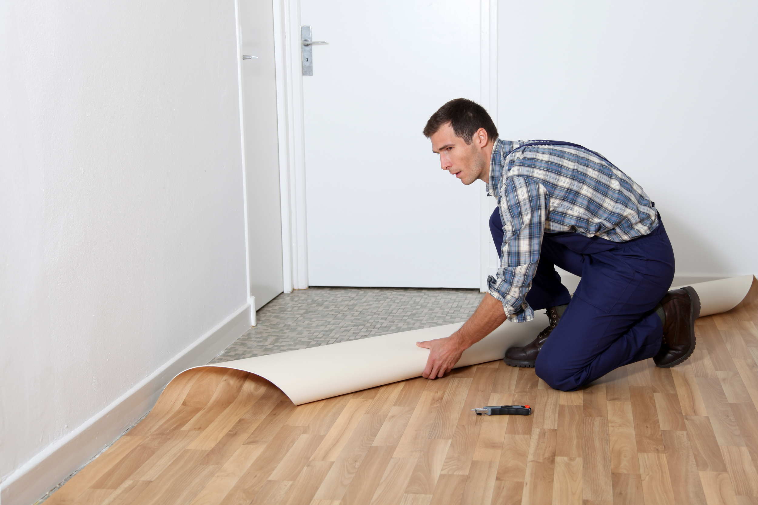 All Decor has qualified and experienced vinyl installers