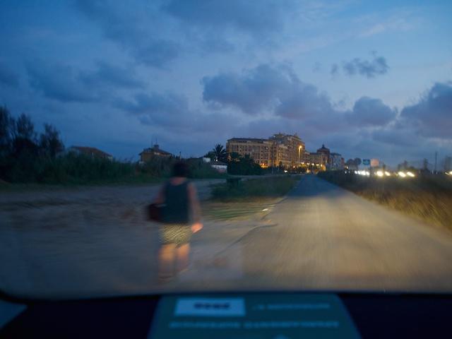 Road towards Port Saplaya, in Alboraya, Valencia © Daniel Belenguer